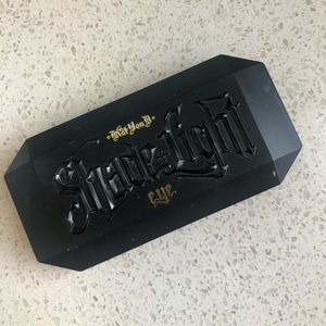Kat Von D Makeup - Shade and Light Plum Eye Palette - Kat von D